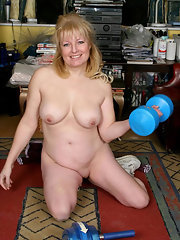 Mature Chubby Blondes